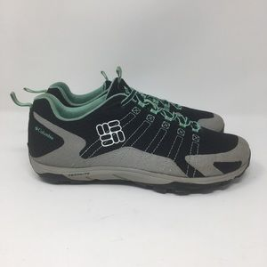 Womens Columbia hiking outdoor shoes athletic